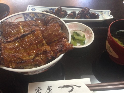 静かな場所にあるパリふわうな丼。 栄屋 岐阜県関市