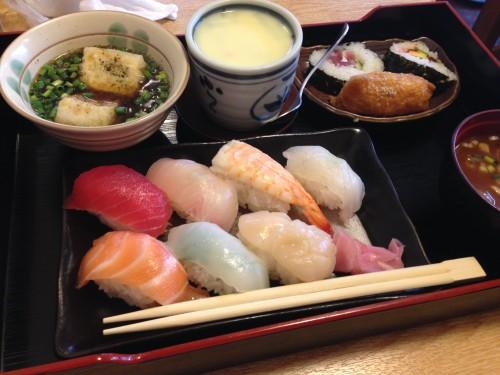 安いくてボリュームいっぱいの寿司。 すし八 名古屋市中村区