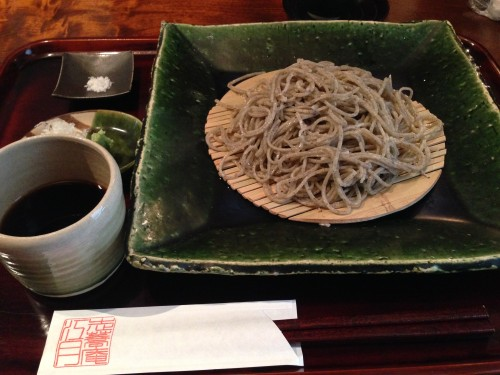 手挽きで野生的な十割蕎麦。 志蕎庵 江月 名古屋市名東区