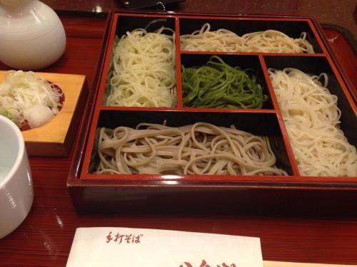 五色そばで食べ比べ。 八千代 名古屋市北区