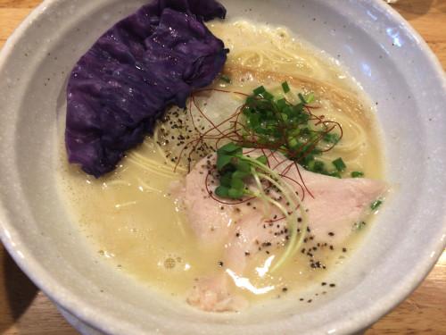バリエーション豊富な鶏白湯 泉鶏白湯 鶏神 名古屋市東区