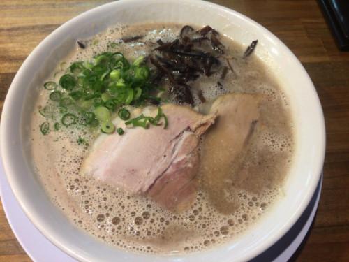 どストレートな豚骨ラーメン。 まっしぐら 岐阜県各務原市